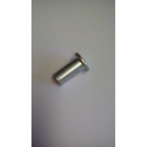 Lower tailgate lock linkage clevis pin