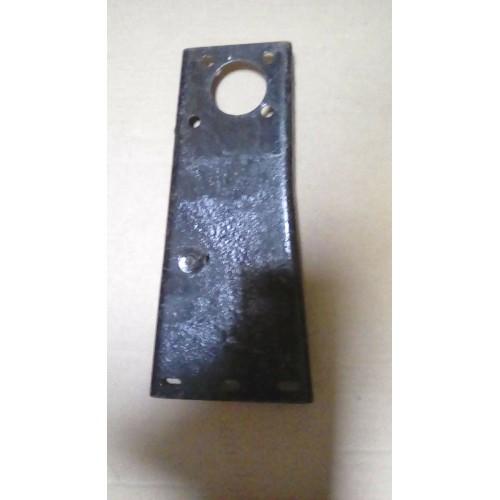 Steering box mounting bracket
