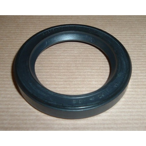 OIL SEAL AXLE CASING FRONT