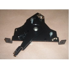 HEATER CONTROLS MOUNTING PLATE ASSY RHD