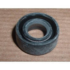 LT85 PRIMARY PINION OIL SEAL