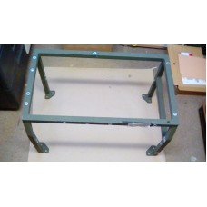 BOWMAN CLANSMAN VIK RADIO EQUIPMENT MOUNTING TABLE.